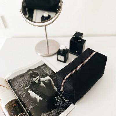 Купить вместительную косметичку (черный)